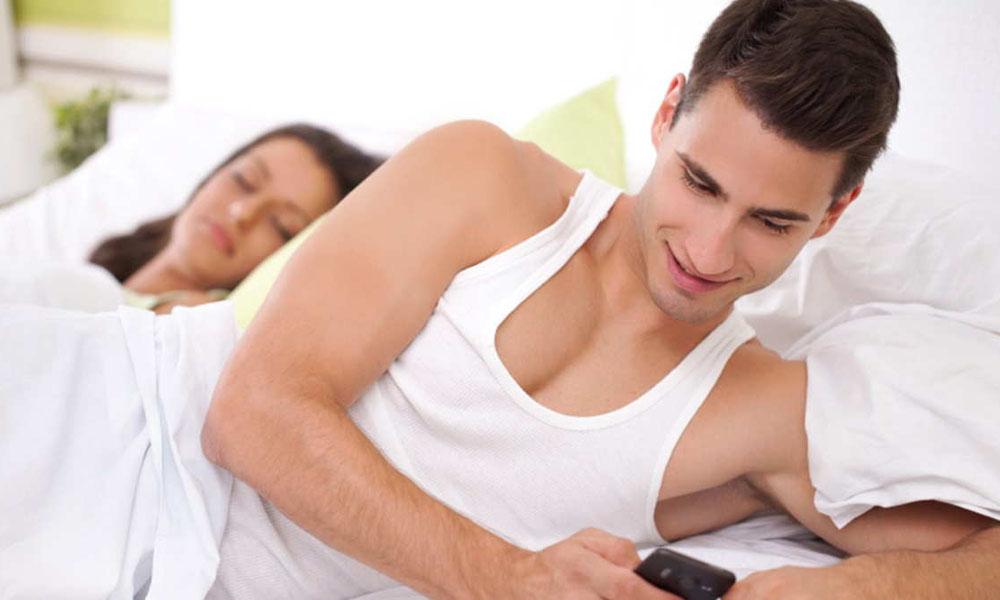 Yakin, Suamimu Tidak Selingkuh? Kamu Harus Kenali Tanda-Tandanya