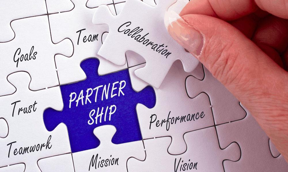 Pentingnya Mengetahui Latar Belakang Partner Bisnis